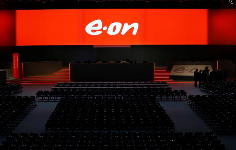 The empty stage for the board of German utility giant E.ON is seen before the annual shareholders meeting in Essen, Germany June 8, 2016.    REUTERS/Wolfgang Rattay