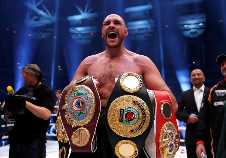 Wladimir Klitschko v Tyson Fury WBA, IBF & WBO Heavyweight Title's - Esprit Arena, Dusseldorf, Germany - 28/11/15 Tyson Fury celebrates winning the fightAction Images via Reuters / Lee SmithLivepic/File Photo