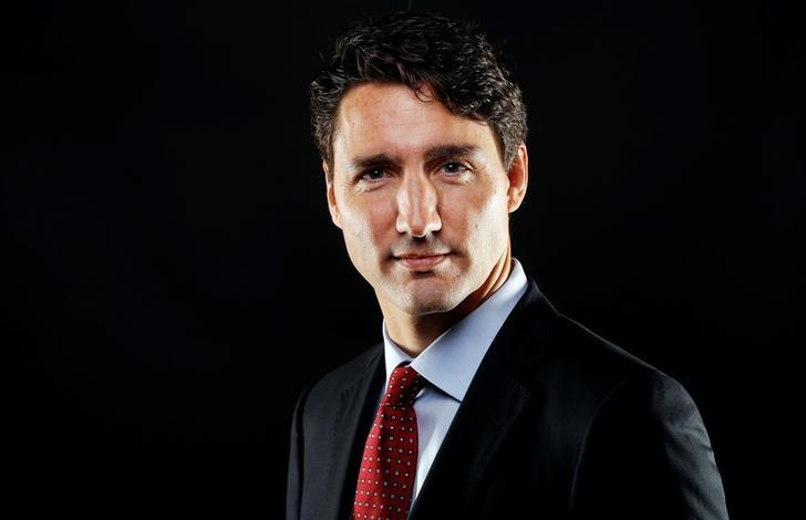 Unhappy Canadian PM urges European Union to sign free trade deal