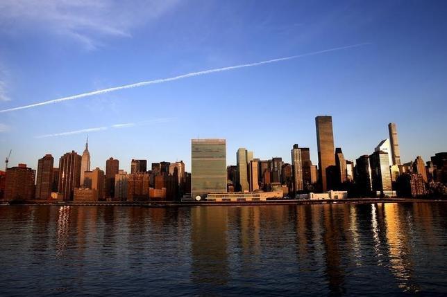 10月13日、米ニューヨーク市マンハッタンのオフィス賃料が第3・四半期、過去最高を更新した。写真はニューヨークで昨年9月撮影(2016年 ロイター/Mike Segar)