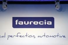 FAURECIA est à suivre vendredi, le groupe a annoncé une hausse de ses ventes au troisième trimestre et un chiffre d'affaires en hausse de 1,6% au troisième trimestre à taux de change et périmètre constants. /Photo d'archives/REUTERS/Charles Platiau