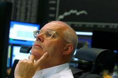 À Paris, l'indice CAC 40 perd 0,46% vers 10h35 GMT. À Francfort, le Dax cède 0,52% et, à Londres, le FTSE recule de 0,85%. /Photo d'archives/REUTERS/Ralph Orlowski
