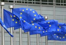 La France et la Grande-Bretagne tentent de convaincre leurs partenaires européens de condamner les frappes russes en Syrie et de prendre de nouvelles sanctions contre le régime syrien, lors d'un conseil des ministres des Affaires étrangères de l'UE à Luxembourg, lundi. /Photo d'archives/REUTERS/Yves Herman