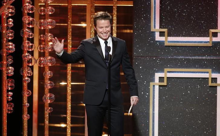 Billy Bush presents the award for outstanding supporting actor in a drama series during the 41st Annual Daytime Emmy Awards in Beverly Hills, California June 22, 2014.   REUTERS/Danny Moloshok/File Photo