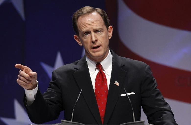 U.S. Senator Pat Toomey (R-PA) speaks to the 38th annual Conservative Political Action Conference meeting in Washington DC, U.S. February 10, 2011.   REUTERS/Larry Downing/File Photo