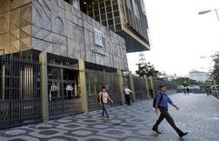 La casa matriz de Petrobras en Río de Janeiro, mar 21, 2016. Una corte de apelaciones suiza determinó que los fiscales pueden compartir con bancos de Brasil documentos que podrían arrojar luces sobre las acusaciones de corrupción en la petrolera brasileña con presencia estatal Petrobras.  REUTERS/Sergio Moraes