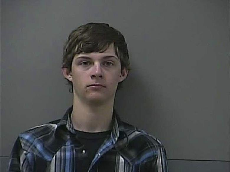Hunter Chafin, 19, suspected of robbing a bank, is shown in this Carroll County Sheriff's Office, Arkansas, U.S., photo released on October 14, 2016.  Carroll County Sheriff's Office/Handout via REUTERS