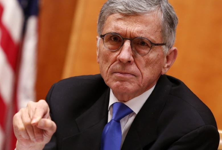 U.S. FCC chairman wants more industry action on robocalls