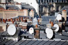 Eutelsat a annoncé jeudi un chiffre d'affaires en hausse de 0,7% à taux de change et périmètre constants au premier trimestre 2016-17. /Photo prise le 12 octobre 2016/REUTERS/Charles Platiau