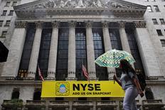 Wall Street a fini en baisse vendredi. Le Dow Jones a cédé 0,05%, le S&P-500 a perdu 0,31% et le Nasdaq Composite a reculé de 0,50%. /Photo prise le 21 octobre 2016/REUTERS/Brendan McDermid