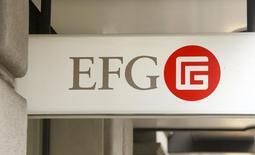 l logo del banco suizo EFG International en instalaciones en Zúrich, Suiza, February 22, 2016. El banco privado EFG International completó la adquisición de su rival BSI de manos del Grupo BTG Pactual por un monto preliminar de 1.060 millones de francos suizos (1.070 millones de dólares), 10 millones de francos más que lo que se había anunciado en el verano boreal. REUTERS/Arnd Wiegmann