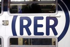Le groupe espagnol CAF a confirmé mercredi soir ne plus être dans la course pour la fourniture de rames de RER, laissant désormais seul en lice le consortium formé par Alstom et Bombardier pour ce contrat de plus de trois milliards d'euros. /Photo d'archives/REUTERS/Charles Platiau