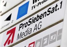 Le groupe de télévision allemand ProSiebenSat.1 a annoncé jeudi soir avoir levé 515 millions d'euros via un placement d'actions afin de financer son programme de développement. /Photo d'archives/REUTERS/Michaela Rehle