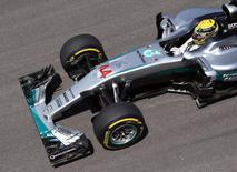 Formula One - F1 - Brazilian Grand Prix - Circuit of Interlagos, Sao Paulo, Brazil - 11/11/2016 -  Mercedes' Formula One driver Lewis Hamilton of Britain in action during the first practice session.  REUTERS/Paulo Whitaker