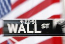 Wall Street a fini en hausse jeudi sous l'impulsion du secteur bancaire et des valeurs de consommation. Le Dow Jones a gagné 0,19%, le S&P-500 0,47% et le Nasdaq 0,74%. /Photo d'archives/REUTERS/Lucas Jackson