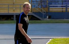 Football Soccer - U.S. training session - World Cup 2018 qualifier - Guatemala City, Guatemala, 24/3/16. U.S. coach Juergen Klinsmann attends a training session ahead of their 2018 World Cup qualifier soccer match against Guatemala. REUTERS/Saul Martinez