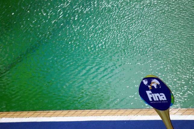 11月21日、国際水泳連盟のフリオ・マグリオーネ会長は、2020年東京五輪のために建設されるアクアティクスセンターは今年のリオデジャネイロ五輪のような問題には直面しないとし、太鼓判を押した。写真はリオ五輪アクアティクスセンターのプール。リオデジャネイロで8月撮影(2016年 ロイター/Kai Pfaffenbach)