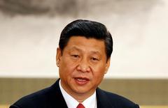 """El Presidente de China Xi Jinping en una conferencia de prensa en Pekín , 15 de Noviembre, 2012. China """"cumplirá su rol"""" en la promoción de la integración económica en Asia y el Pacífico, dijo el miércoles su Ministerio de Relaciones Exteriores, luego de que el presidente electo de Estados Unidos, Donald Trump, anunció que retirará a su país de un ambicioso pacto comercial regional.REUTERS/Carlos Barria/File Photo - RTX2QS0W"""