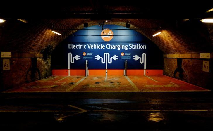 An Electric car charging point is seen in a car park in Manchester northern England, November 15, 2016. REUTERS/Phil Noble