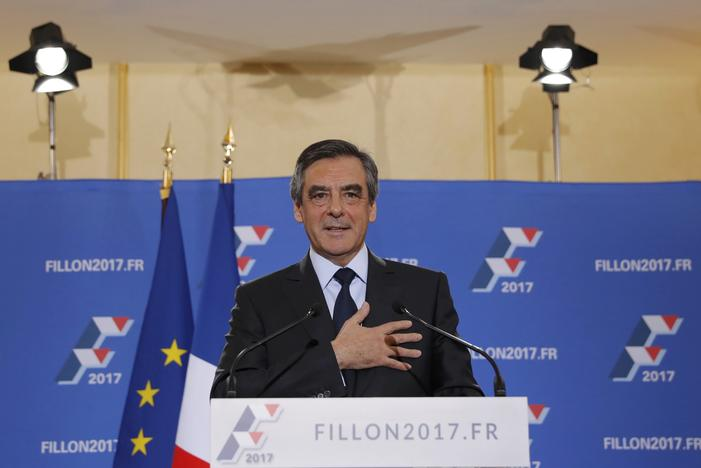 Francois Fillon, former French prime minister and member of Les Republicains political party, delivers his speech after partial results in the second round for the French center-right presidential primary election in Paris, France, November 27, 2016. REUTERS/Christian Hartmann