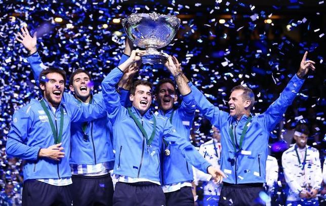 11月27日、男子テニスの国別対抗戦、デ杯ワールドグループ決勝がザグレブで行われ、アルゼンチンが通算3勝2敗でクロアチアを退け、大会初優勝を飾った(2016年 ロイター/Antonio Bronic)