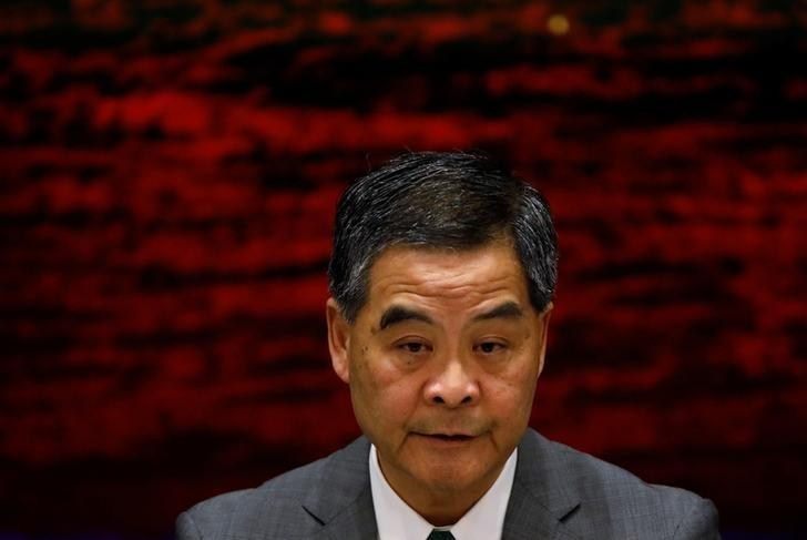 Hong Kong Chief Executive Leung Chun-ying attends a news conference after China's parliament passed an interpretation of Hong Kong's Basic Law that says lawmakers must swear allegiance to the city as part of China, in Hong Kong November 7, 2016. REUTERS/Tyrone Siu
