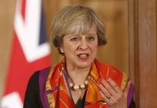 """El Gobierno de la primera ministra británica, Theresa May, iniciará el lunes una pugna contra una resolución judicial que estipula que el ejecutivo requiere la aprobación del Parlamento para comenzar el proceso de salida de la Unión Europea, una decisión que podría afectar los planes del """"Brexit"""". En la foto, la primera ministra británica durante una conferencia de prensa en Londres el 28 de noviembre de 2016. REUTERS/Peter Nicholls"""