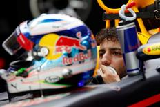Formula One - F1 - Abu Dhabi Grand Prix - Yas Marina Circuit, Abu Dhabi, United Arab Emirates - 26/11/2016 - Red Bull driver Daniel Ricciardo of Australia sits in his car during the third practice session. REUTERS/Ahmed Jadallah