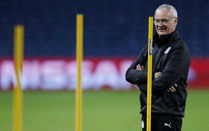 Football Soccer - Leicester City Training - Dragao Stadium, Oporto, Portugal  - 6/12/16 Leicester City manager Claudio Ranieri during training Action Images via Reuters / Matthew Childs Livepic
