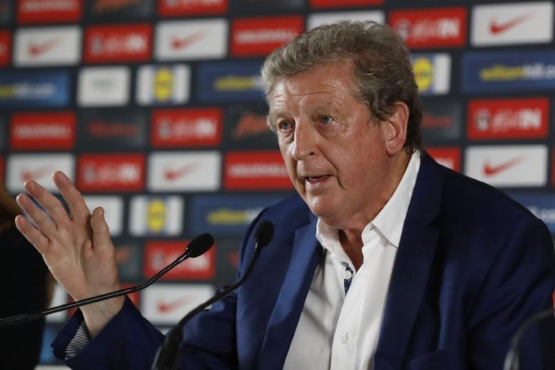 Football Soccer - EURO 2016 - England News Conference - Auberge du Jeu de Paume, Chantilly, France - 28/6/16 England head coach Roy Hodgson during the press conference REUTERS/Lee Smith Livepic