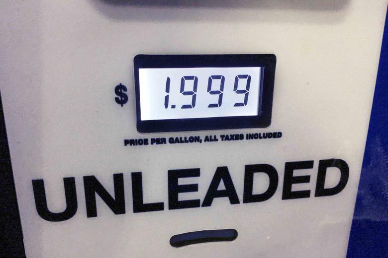 Unleaded gasoline is selling under two dollars per gallon at $1.999 in Annandale, Virginia, U.S. on November 27, 2016. Picture taken on November 27, 2016.   REUTERS/Hyungwon Kang