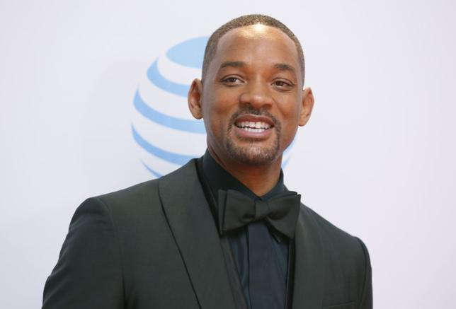 Actor Will Smith arrives at the 47th NAACP Image Awards in Pasadena, California February 5, 2016.  REUTERS/Danny Moloshok