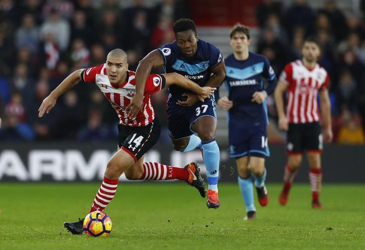 Football Soccer Britain - Southampton v Middlesbrough - Premier League - St Mary's Stadium - 11/12/16 Southampton's Oriol Romeu in action with Middlesbrough's Adama Traore  Reuters / Eddie Keogh Livepic
