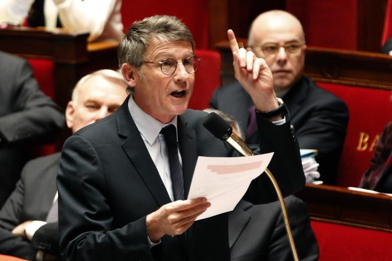 Vincent Peillon speaks during the questions to the government session at the National Assembly in Paris February 11, 2014.  REUTERS/Charles Platiau