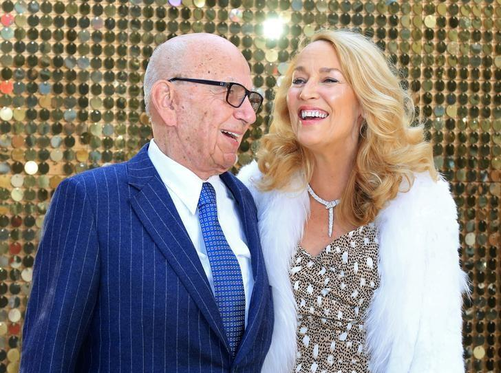 Rupert Murdoch (L) and Jerry Hall arrive for the world premiere of ''Absolutely Fabulous'' at Leicester Square in London, Britain June 29, 2016.  REUTERS/Paul Hackett/File Photo
