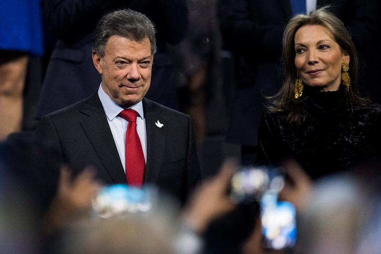 Colombia's President Juan Manuel Santos and his wife Maria Clemencia Rodriguez are seen during the 2016 Nobel Peace Prize Concert at Telenor Arena in Oslo, Norway, December 11, 2016. REUTERS/Jon Olav Nesvold /NTB Scanpix