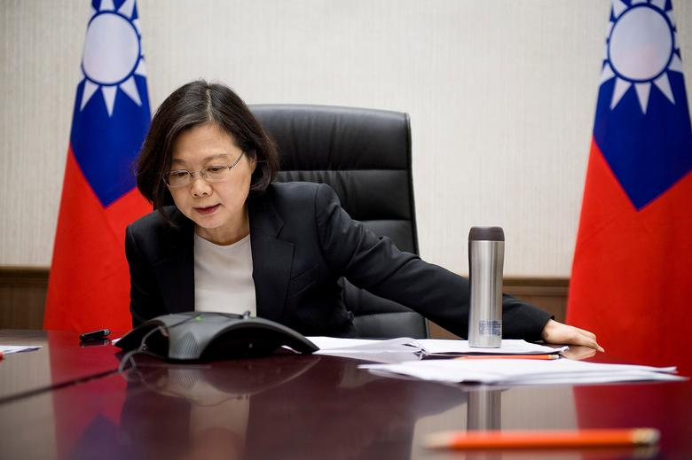 Taiwan's President Tsai Ing-wen speaks on the phone with U.S. president-elect Donald Trump at her office in Taipei, Taiwan, in this handout photo made available December 3, 2016.   Taiwan Presidential Office/Handout via REUTERS/File Photo