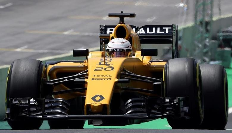 Formula One - F1 - Brazilian Grand Prix - First practice session - Circuit of Interlagos, Sao Paulo, Brazil - 11/11/2016 - Renault's Formula One driver Kevin Magnussen of Denmark drives. REUTERS/Paulo Whitaker/Files
