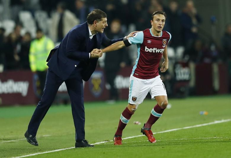 West Ham United's Mark Noble celebrates scoring their first goal with West Ham United manager Slaven Bilic. West Ham United v Burnley - Premier League - London Stadium - 14/12/16.  Reuters / Eddie Keogh Livepic