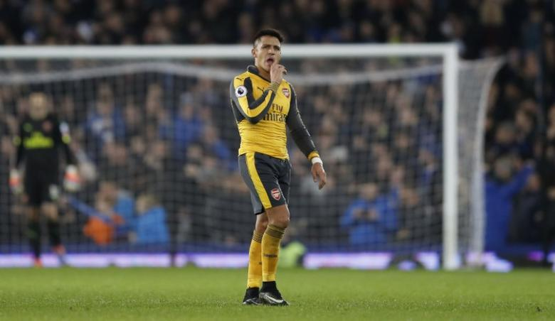 Britain Football Soccer - Everton v Arsenal - Premier League - Goodison Park - 13/12/16 Arsenal's Alexis Sanchez looks dejected after Everton's Ashley Williams scored their second goal  Action Images via Reuters / Carl Recine Livepic
