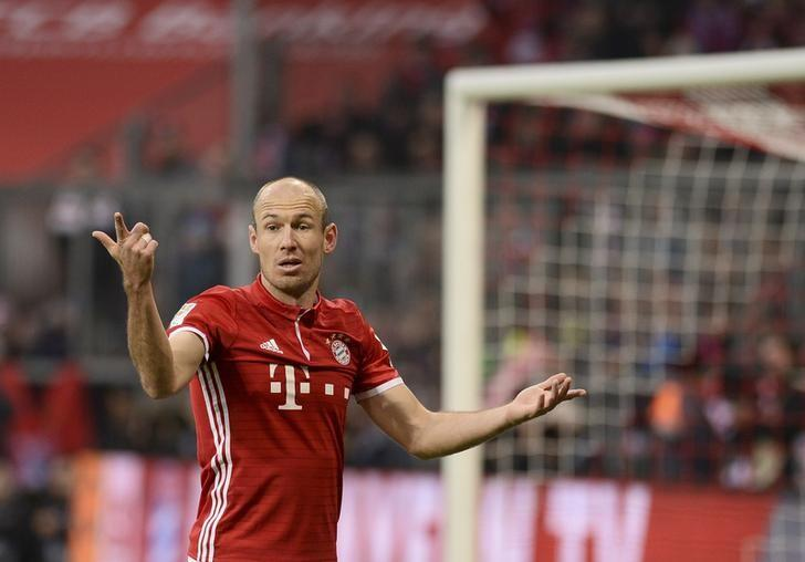 Football Soccer - Bayern Munich v Wolfsburg - German Bundesliga - Allianz Arena, Munich, Germany - 10/12/16 - Bayern Munich's Arjen Robben in action  REUTERS/Lukas Barth