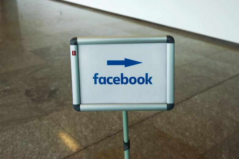 A picture shows the Facebook logo at the Facebook office in Berlin, Germany, August 29, 2016. REUTERS/Stefanie Loos - RTX2NN4K