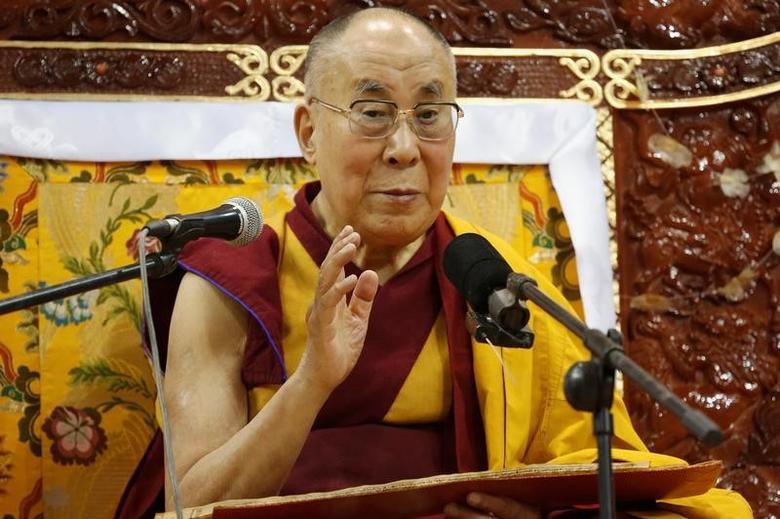 Tibet's exiled spiritual leader the Dalai Lama addresses those gathered at Buyant Ukhaa sport palace in Ulaanbaatar, Mongolia, November 20, 2016.   REUTERS/B. Rentsendorj