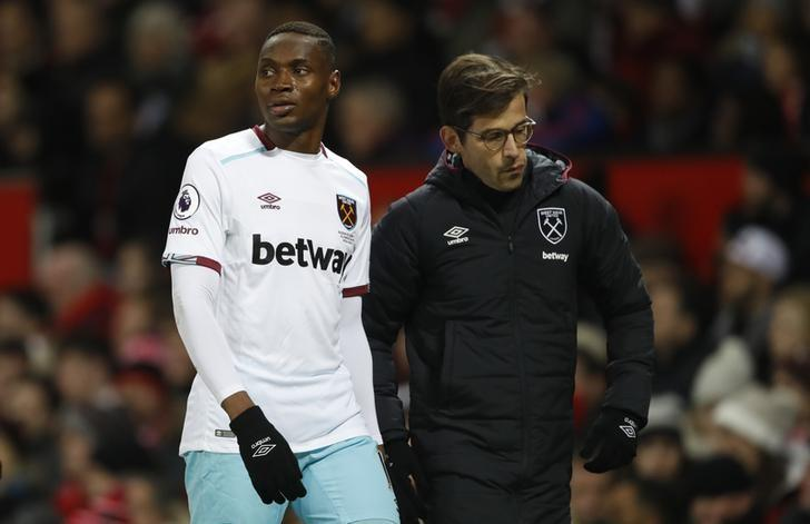 Britain Football Soccer - Manchester United v West Ham United - Premier League - Old Trafford - 27/11/16 West Ham United's Diafra Sakho after being substituted Action Images via Reuters / Carl Recine Livepic