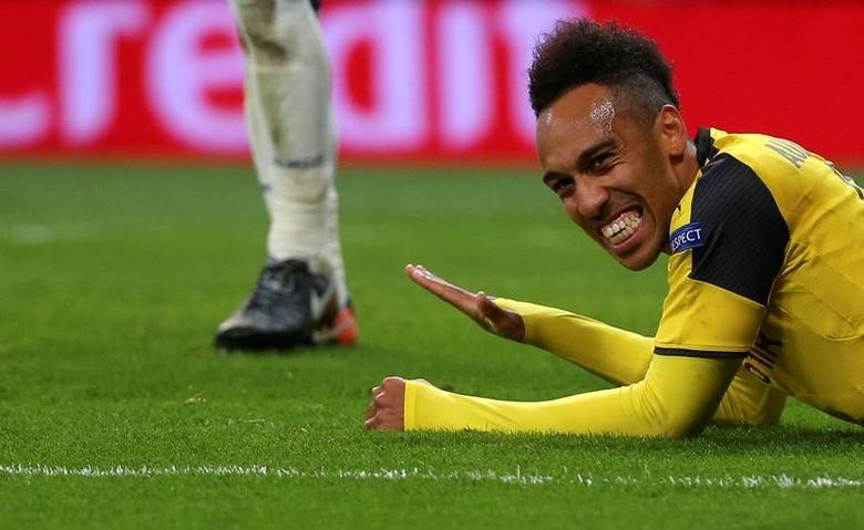 Football Soccer - Real Madrid v Borussia Dortmund - UEFA Champions League Group Stage - Group F - Santiago Bernabeu stadium, Madrid, Spain - 7/12/16 Borussia Dortmund's Pierre-Emerick Aubameyang reacts after a missed scoring opportunity.  REUTERS/Susana Vera
