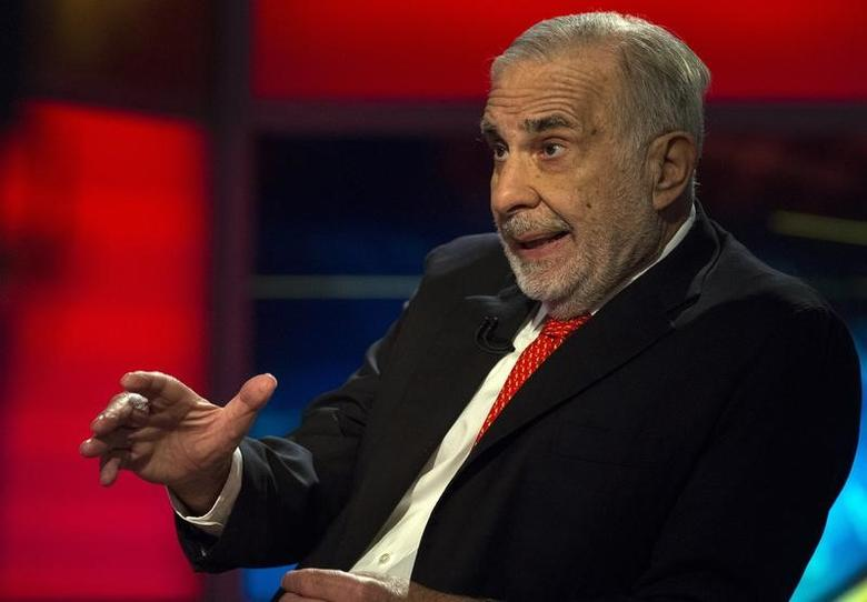 Billionaire activist-investor Carl Icahn gives an interview on FOX Business Network's Neil Cavuto show in New York, U.S. on February 11, 2014.  REUTERS/Brendan McDermid/File Photo