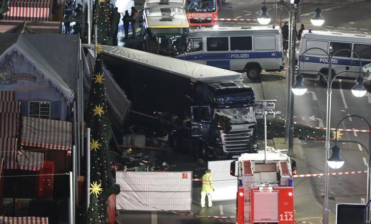 A general view shows the site where a truck ploughed through a crowd at a Christmas market on Breitscheidplatz square near the fashionable Kurfuerstendamm avenue in the west of Berlin, Germany, December 19, 2016   REUTERS/Pawel Kopczynski