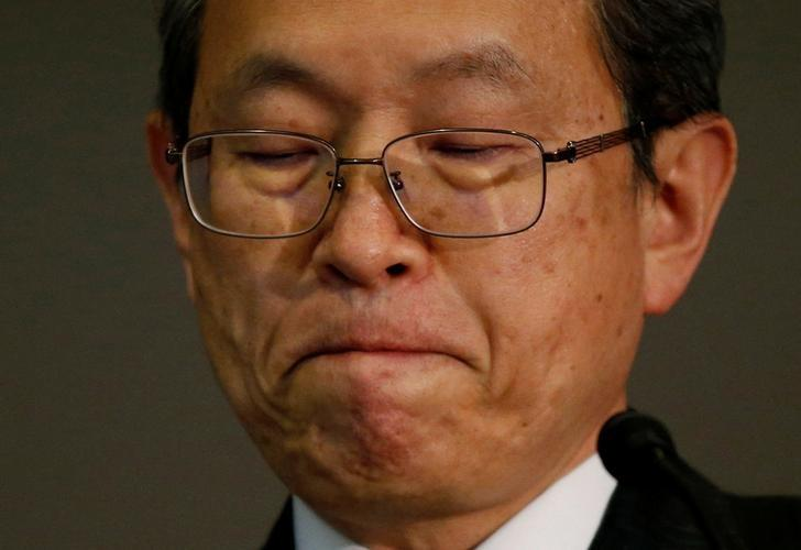 Toshiba Corp President and CEO Satoshi Tsunakawa attends a news conference at the company's headquarters in Tokyo, Japan, December 27, 2016.    REUTERS/Toru Hanai