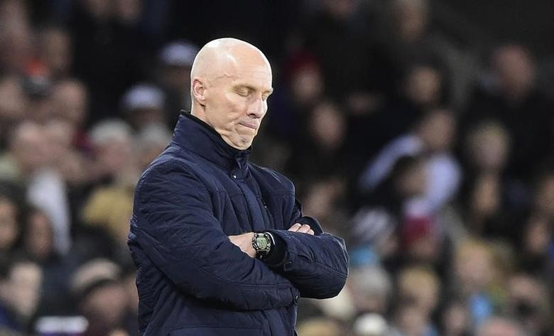 Swansea City manager Bob Bradley  Reuters / Rebecca Naden Livepic