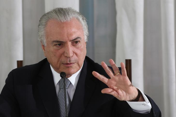 Brazil's President Michel Temer attends a breakfast news conference with journalists for a news conference at Alvorada Palace in Brasilia, Brazil, December 22, 2016. REUTERS/Adriano Machado